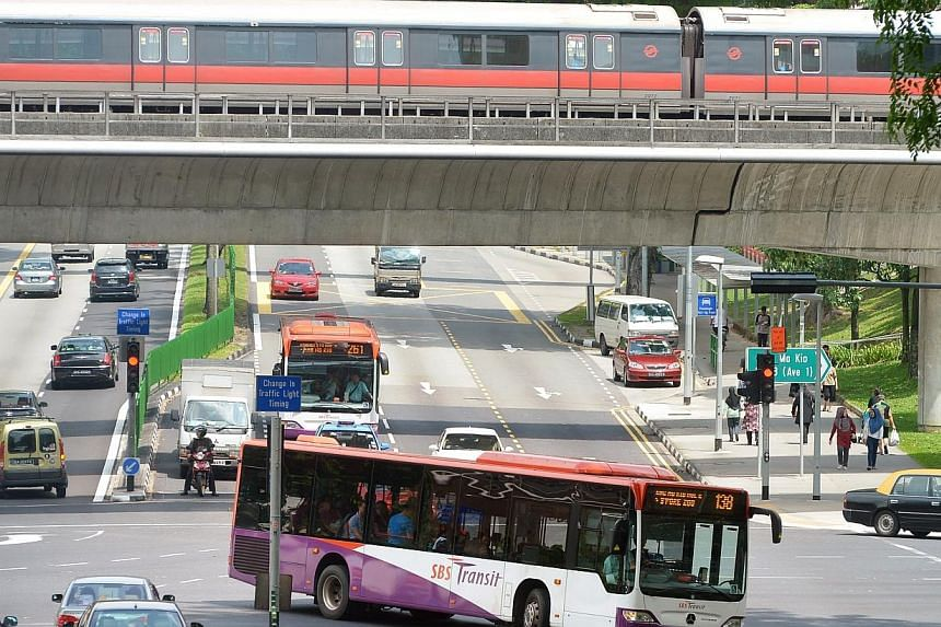 The percentage of commuters satisfied with Singapore's public transport system has fallen to its lowest in six years, an annual survey conducted by UniSIM shows. -- ST FILE PHOTO:ALPHONSUS CHERN