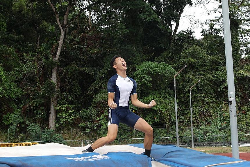 Sean Lim has become the first Singaporean man to break the 5m barrier when he jumped 5.01m to set a new national record at the Singapore Athletics Association (SAA) Track and Field Series 3. --ST PHOTO: ONG WEE JIN