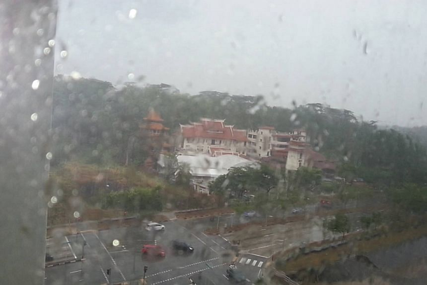 Rain in Choa Chu Kang. -- PHOTO: EYAHF GNEHC LEM