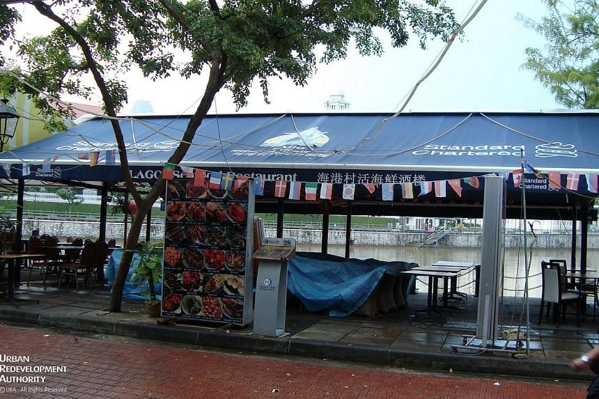 Obstructed view of the Singapore River from the current Boat Quay promenade.-- PHOTO:URBAN REDEVELOPMENT AUTHORITY