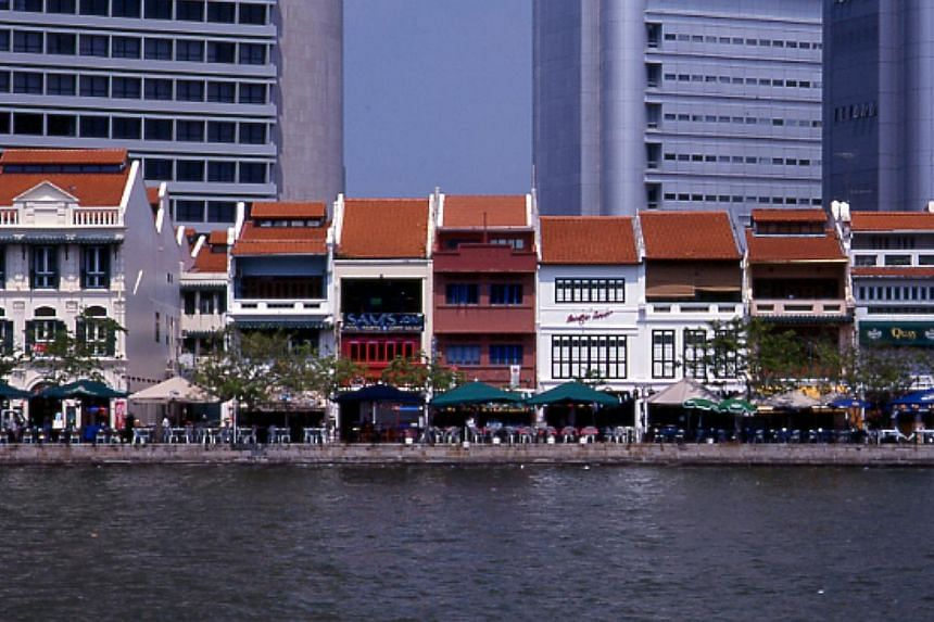 View of conserved shophouses at Boat Quay in 1998. -- PHOTO: URBAN REDEVELOPMENT AUTHORITY