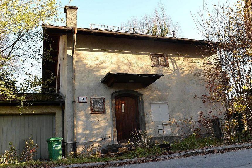 The house of German Cornelius Gurlitt in Salzburg, where astash of 238 pieces of art was found. -- FILE PHOTO: AFP