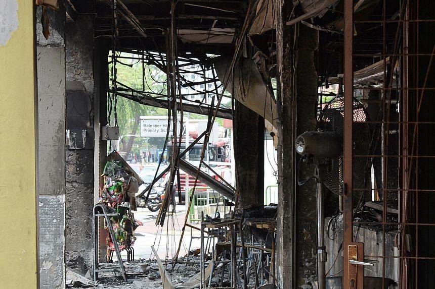 Fire at 567 Balestier Road on Mar 30 2014. -- PHOTO: LIM YAOHUI
