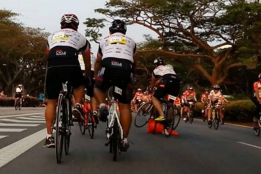 An accident witnessed by cyclist Hock Lee Ng during the OCBC Cycle Singapore event on Sunday, March 31, 2014.-- PHOTO: HOCK LEE NG