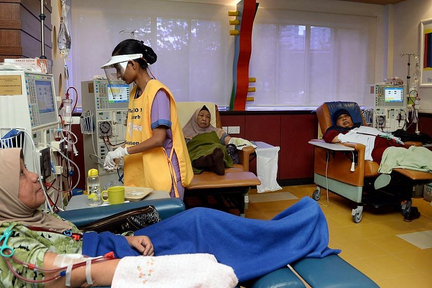 There has been an increase in the number of new dialysis patients who are Malays. In 1999, one in six was a Malay; in 2012 the proportion was one in four. -- BERITA HARIAN FILE PHOTO