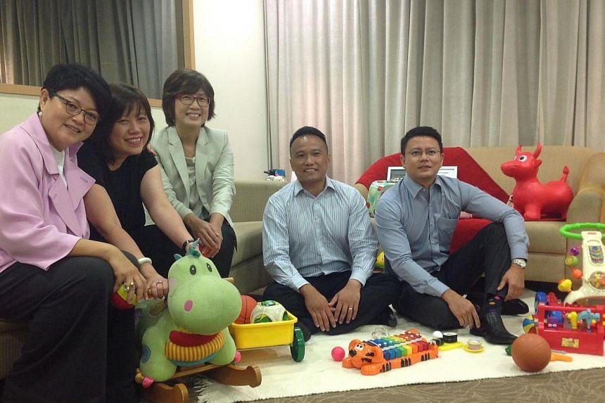 (Left) Ms Anita Fam,Chairman of the Jubilee Baby Gift Advisory Panel, with members of theJubilee Baby Gift Advisory Panel (from left)Mrs Joni Ong,Ms Toh Hwee Tin,Mr Jim Lim and Dr Jazlan Joosoph. -- ST PHOTO: GOH CHIN LI