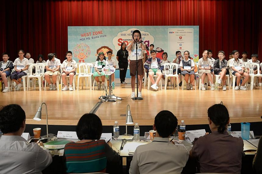 39 pupils qualify for the ST-MOE National Spelling Championshops Zonal Rounds (West Zone), which was held at the MOE Headquarters. -- ST PHOTO: NG SOR LUAN