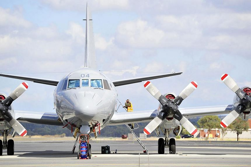 A Royal New Zealand Air Force Orion aircraft prepares to take off from Royal Australian Air Force Base Pearce near Perth on April 6, 2014. -- PHOTO: REUTERS