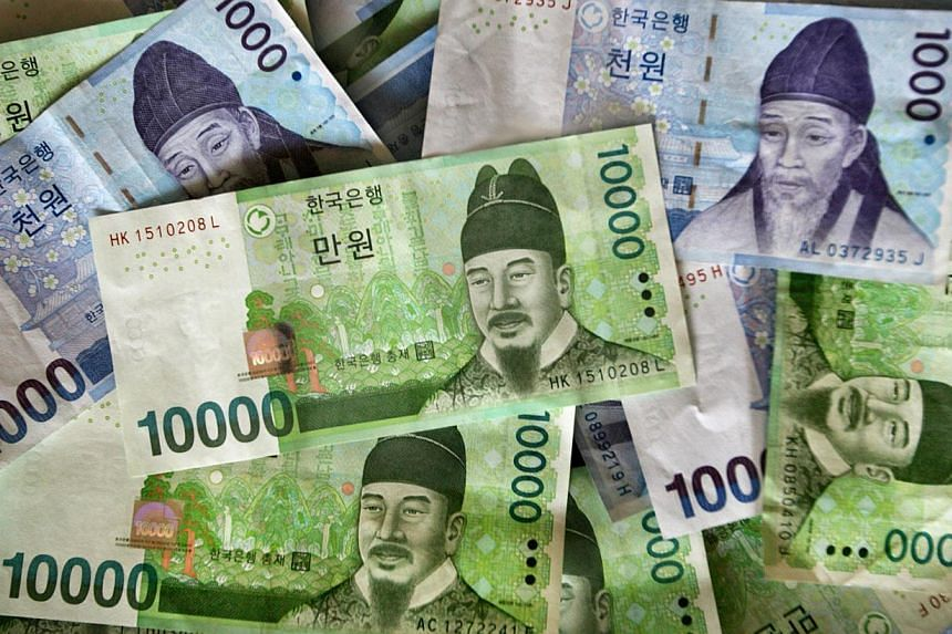 The South Korean won hit a near six-year high on Wednesday thanks to capital inflows, leading gains among emerging Asian currencies, while the Indonesian rupiah rose in offshore markets as parliamentary elections started. -- FILE PHOTO: BLOOMBERG&nbs