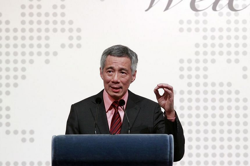 During his visit to London last month, Prime Minister Lee Hsien Loong chatted with Financial Times chief foreign affairs columnist Gideon Rachman over lunch. -- FILE PHOTO: LIANHE ZAOBAO