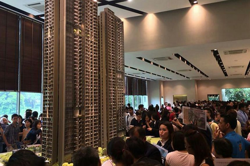 A flood of potential buyers prompted Hong Leong Holdings to extend the opening hours for the first-day preview of its new Commonwealth Towers on Sunday, April 13, 2014. -- PHOTO: HONG LEONG GROUP