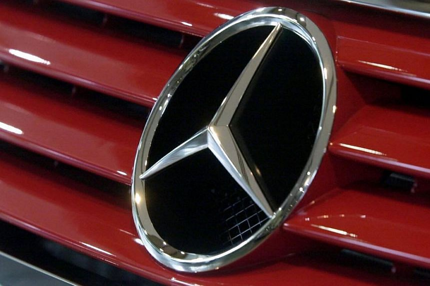 Daimler is set to revive Maybach, a brand once coveted by oligarchs, rap stars and royals, to woo a growing class of ultra-wealthy clients in Asia and the United States, a person familiar with the company's plans said. -- BT FILE PHOTO:ARTHUR L