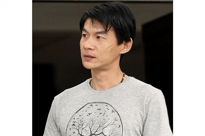 Teeng Kok Yong was fined $1,500 at the MRT between Khatib and Yio Chu Kang fight with Ng Cheng Kiat by kicking him on his leg disturbing public peace. -- ST PHOTO: WONG KWAI CHOW