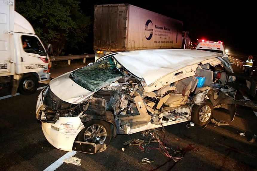 Malaysian member of Parliament and veteran Democratic Action Party leader Karpal Singh's Toyota Alphard involved in an accident early on April 17, 2014. -- PHOTO: THE STAR PUBLICATION