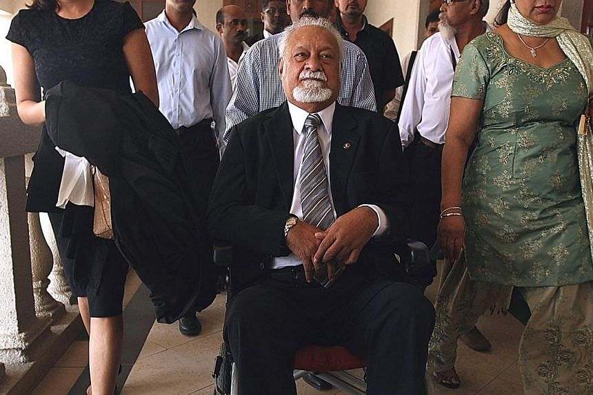 Democratic Action Party (DAP) national chairman Karpal Singh arriving at the court on Feb 21, 2014. -- FILE PHOTO: THE STAR