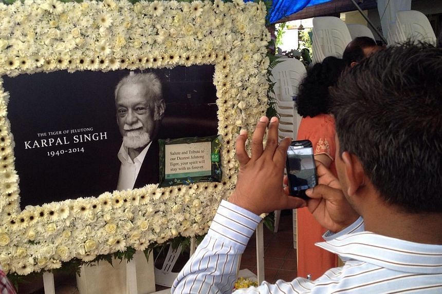 Members of the public came to pay their respects to the late lawyer and veteran politician Karpal Singh at his home in Penang on 18 April 2014.The body of the late Karpal Singh was cremated at the Batu Gantong Crematorium on Sunday after a fina
