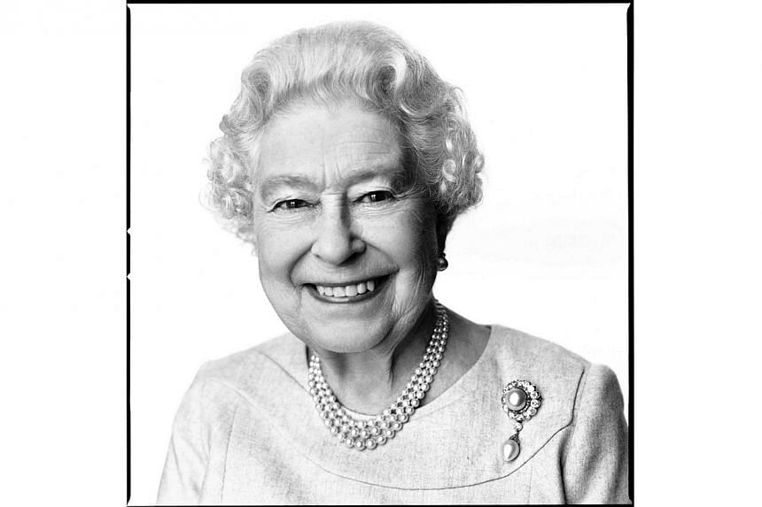 Britain's Queen Elizabeth is seen in this portrait taken in March by British photographer David Bailey, and released by Buckingham Palace in London on April 20, 2014.A new portrait of Queen Elizabeth II, taken by David Bailey, has been released