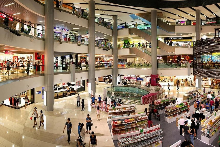 Interior of Causeway Point in Woodlands.Higher revenue from the Causeway Point shopping mall in Woodlands lifted second-quarter earnings at Frasers Centrepoint Trust on Tuesday, April 22, 2014. -- FILE PHOTO:FRASERS