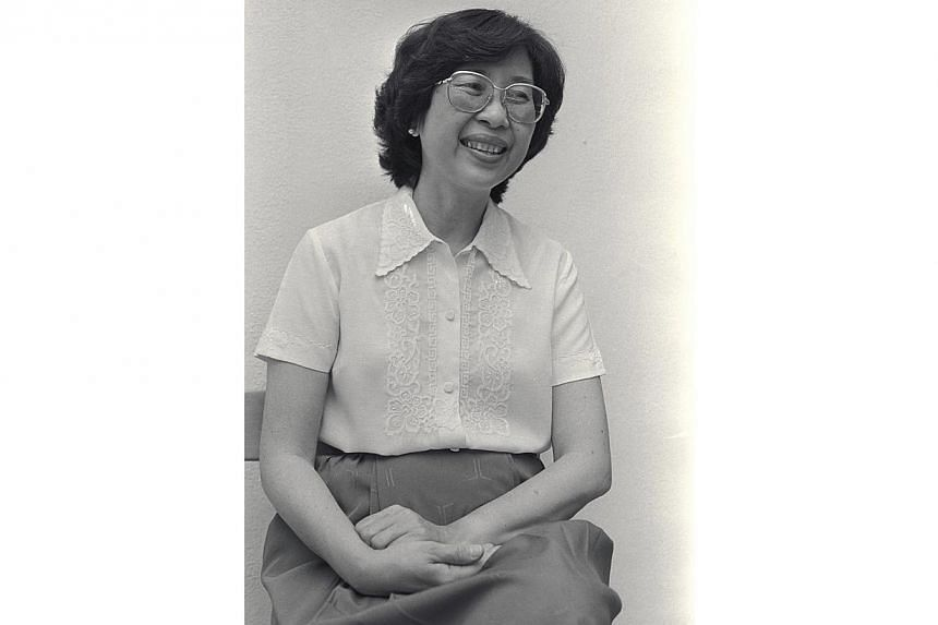 Dr Dixie Tan, 48, is the People's ActionParty (PAP) first woman candidate to standin the general election in 14 years - sincethe late Madam Chan Choy Siong stepped downin 1970.Prime Minister Lee Hsien Loong and other pol