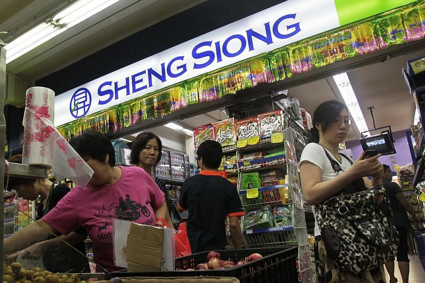 Home-grown supermarket chain Sheng Siong opened its first store located at 122 Ang Mo Kio Avenue 3 in 1985. Supermarket operator Sheng Shiong Group has rung up a 19.3 per cent rise in first quarter net profit to $12.5 million. -- ST FILE PHOTO: