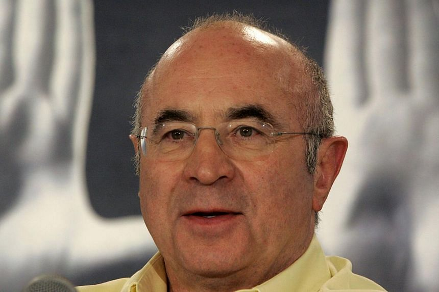 British actor Bob Hoskins attends a news conference for the film Mrs. Henderson Presents at the 30th Toronto International Film Festival in Toronto in this September 9, 2005 file photo. -- FILE PHOTO: REUTERS