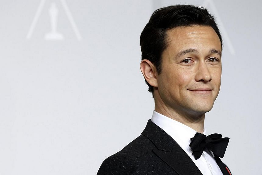 Presenter Joseph Gordon Levitt poses at the 86th Academy Awards in Hollywood, California on March 2, 2014. -- FILE PHOTO: REUTERS