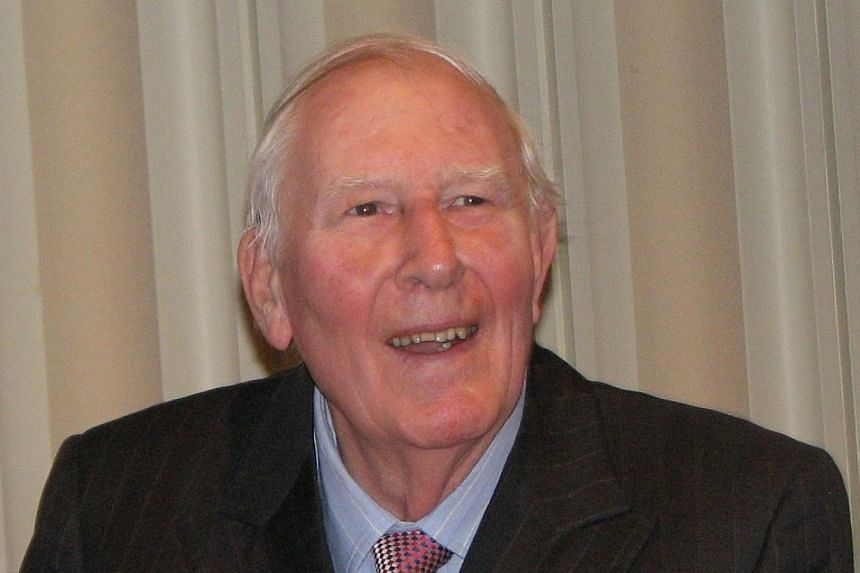 Almost 60 years to the day since becoming the first man to run a mile in under four minutes, Roger Bannister, seen in this 2009 photo, has revealed he is suffering from Parkinson's disease. -- FILE PHOTO: PRUNEAU/WIKIMEDIA COMMONS