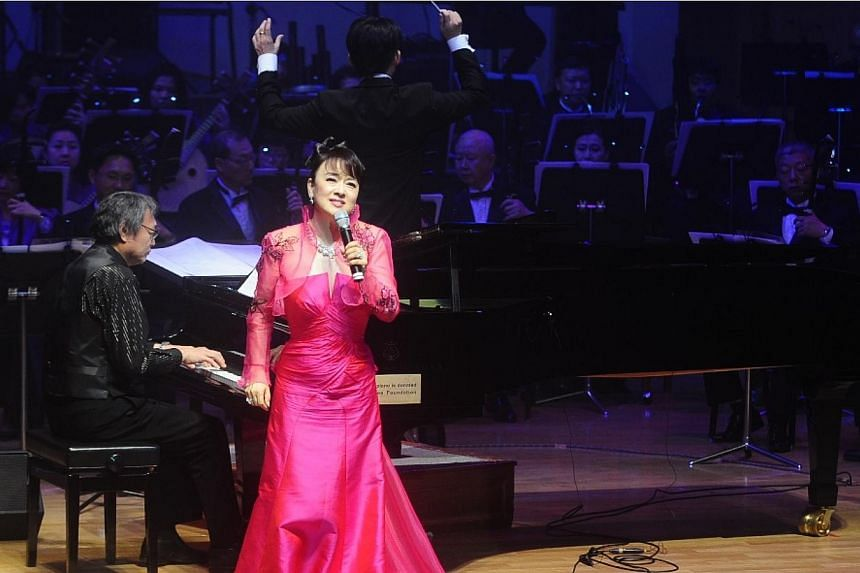 Singer Judy Ongg performing with SCO at the ComChest-SCO Mother's Day Charity Concert. -- PHOTO: COMMUNITY CHEST