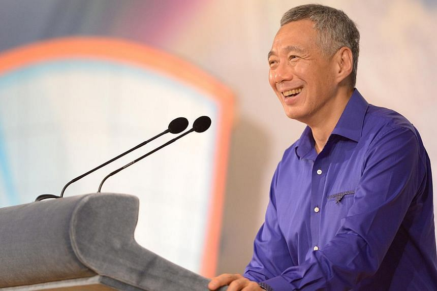 PM Lee Hsien Loong speaks at Chong Boon Secondary School 20th Anniversary Celebration at Chong Boon School, on April 10, 2014. Singapore doing its best to keep mother tongue languages alive, Mr Lee wrote on his Facebook page on Sunday. -- ST FILE PHO