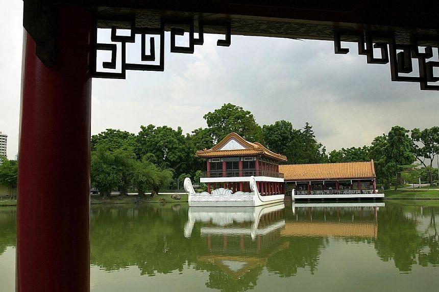 2001. Chinese Garden. -- ST FILE PHOTO: DESMOND FOO
