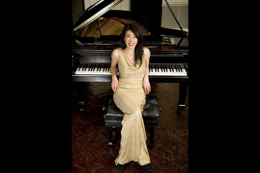 To keep the audience's interest, pianist Jenny Lin always makes sure her programme consists of two very different parts.