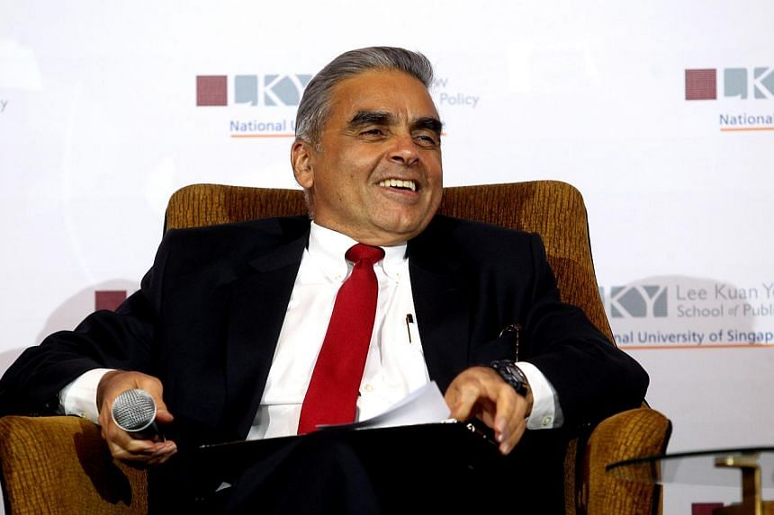 """Professor Kishore Mahbubani, dean of the Lee Kuan Yew School of Public Policy, at a conference titled """"The Big Ideas of Mr Lee Kuan Yew"""", held at the Shangri-La Hotel on Sept 16, 2013.-- ST FILE PHOTO:CHEW SENG KIM"""
