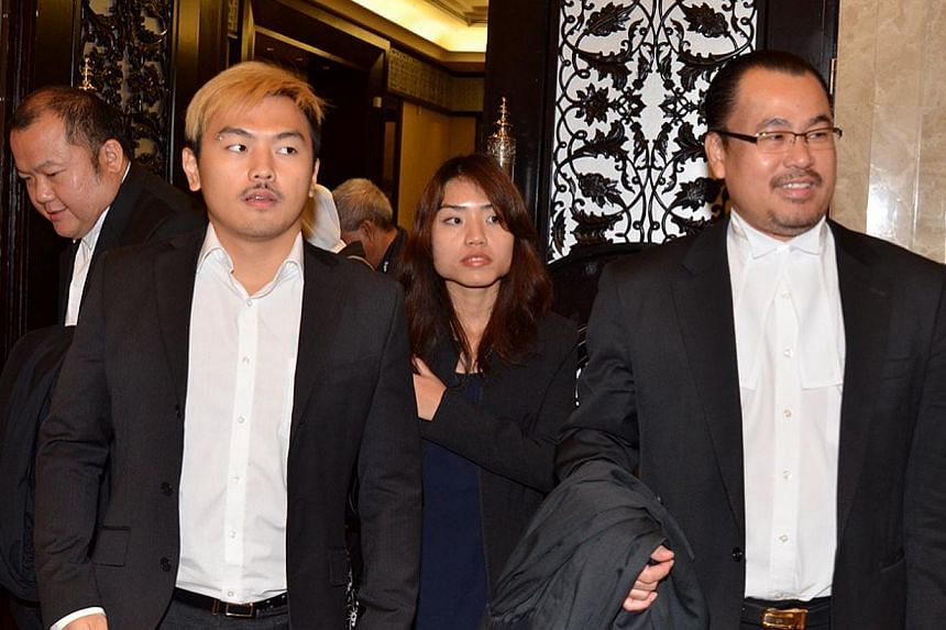 Sex blogger duo Alvin Tan (left) and Vivian Lee with their lawyer J. T Chong. -- FILE PHOTO: THE STAR PUBLICATION