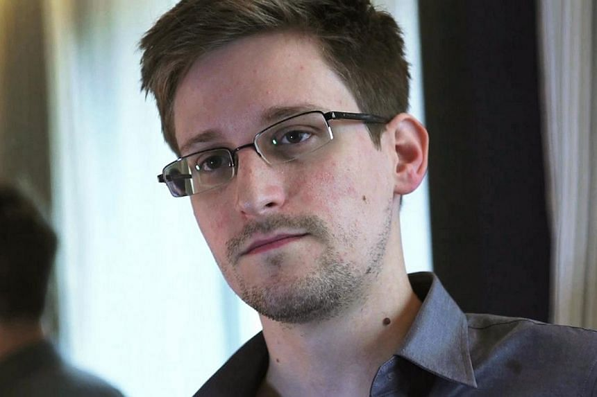 Edward Snowden was profoundly at peace with his decision to leak national security documents, and even joked about the consequences, journalist Glenn Greenwald says in a new book. -- FILE PHOTO: REUTERS
