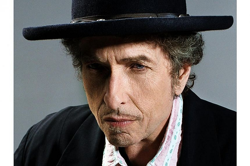 Legendary American singer Bob Dylan. Bob Dylan released a surprise track on his website on Tuesday covering a Frank Sinatra staple, Full Moon and Empty Arms, fuelling talk of a new album by the iconic singer this year. -- FILE PHOTO: COLUMBIA