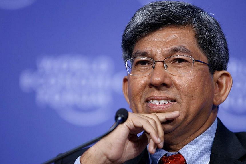 Minister for Communications and Information, Dr Yaacob Ibrahim, will be in the United States from today till next Sunday to study the latest developments in the infocomm and media (ICM) sectors. -- FILE PHOTO: BLOOMBERG