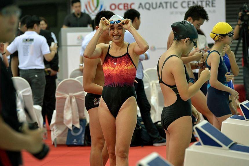 Joscelin Yeo prepares her 50m swim relay at the new OCBC Aquatic Centre at the Sports Hub.-- ST PHOTO:KUA CHEE SIONG