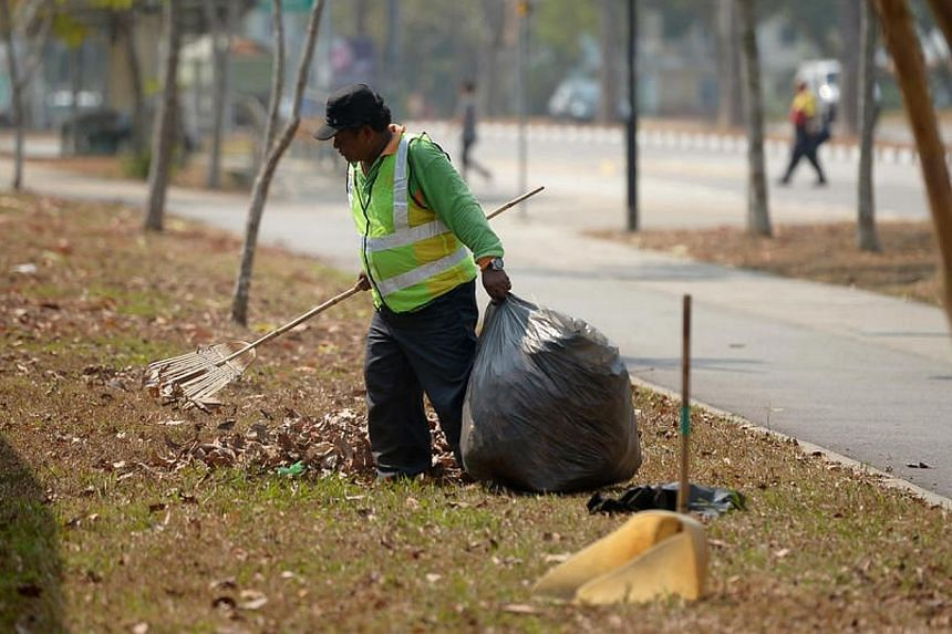 All constituencies should consider giving cleaners a public holiday on Labour Day, Minister for the Environment and Water Resources Vivian Balakrishnan said on Wednesday, May 21, 2014. -- ST PHOTO: JAMIE KOH