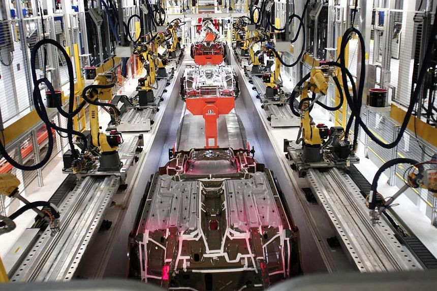 Orders for long-lasting US manufactured goods unexpectedly rose in April, but a drop in a measure of business capital spending plans could temper expectations for a sharp rebound in economic growth this quarter. -- PHOTO: AFP