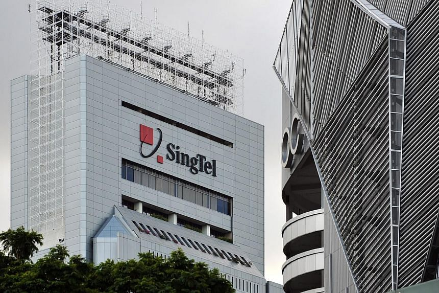 SingTel has begun doubling the speed of its 4G network, with the first site at Singapore Expo now offering mobile broadband speeds of up to 300Mbps.-- PHOTO: ST FILE