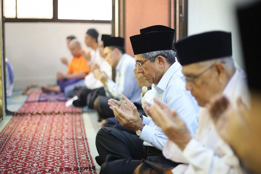 """The formation of a committee to address the concerns of Malay-Muslims over how their loyalty to the nation is viewed is """"not necessary"""", Minister-in-charge of Muslim Affairs Yaacob Ibrahim said on Thursday, May 29, 2014. -- ST PHOTO:ONG WEE JIN"""