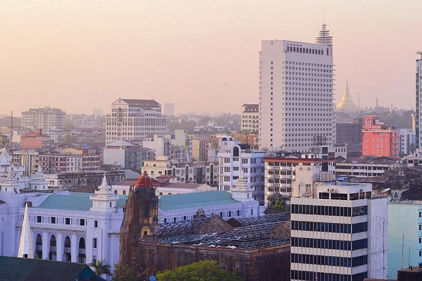 Myanmar will grant foreign banks limited operating licences by the third quarter of this year, in a bid by the country's semi-civilian government to attract foreign investment into an economy just emerging from decades of military rule. -- PHOTO:&nbs