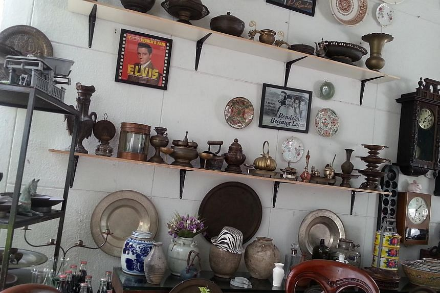 Vintage knick knacks at the Shaw Malay Film Studios.-- ST PHOTO: AUDREY TAN