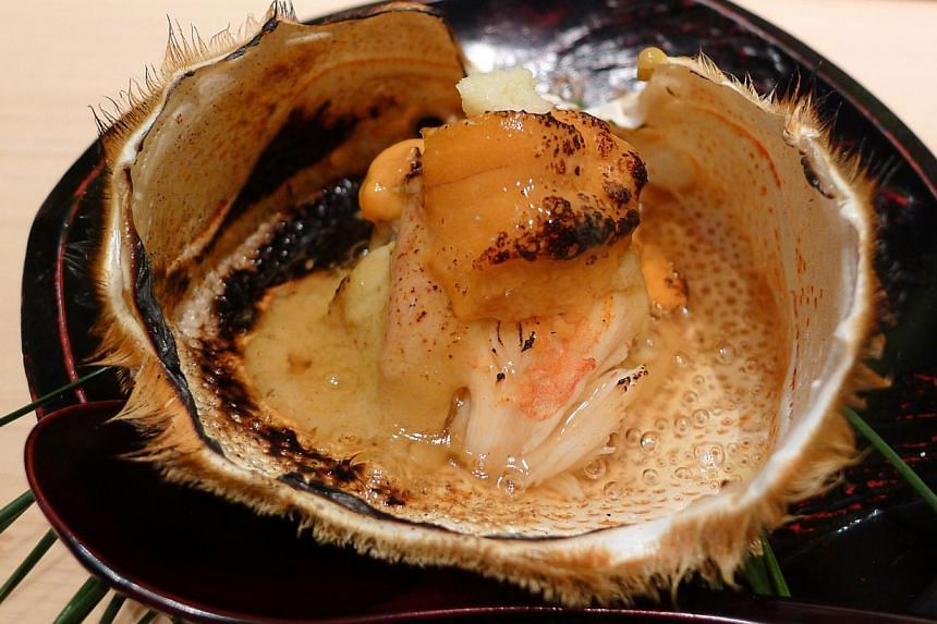 Excellent dishes included the fatty tuna steak with white asparagus at Shinji, steamed yuba topped with uni and ikura at Yoshiyuki and a delightful scattered rice from Tenshin. Many chefs also sourced for ingredients they do not normally use, such as