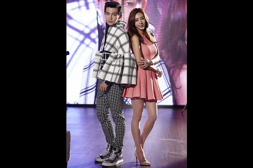 Taiwanese boyband Fahrenheit member Aaron Yan sang a duet with Korean singer G.NA, on the track 1/2, which is the opening theme for the Taiwanese drama Fall In Love With Me and was released in May.
