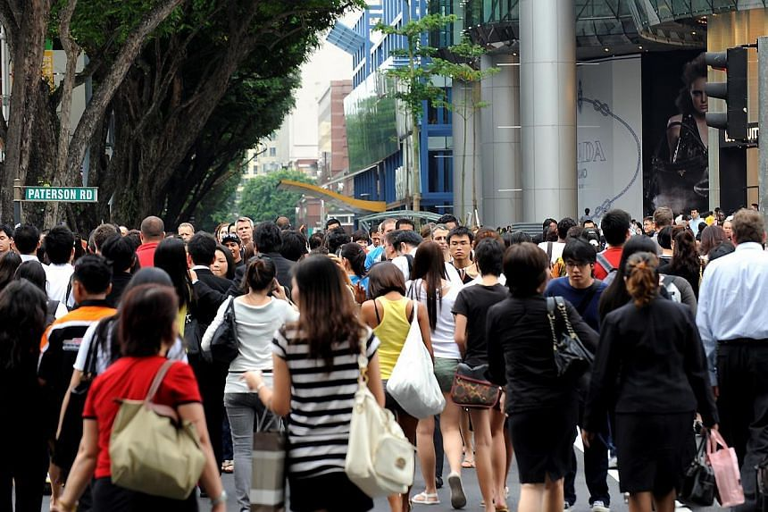 A majority of people in Singapore believe that those of different religions in Singapore get along well, a survey by the Institute of Policy Studies found. -- ST PHOTO: FILE