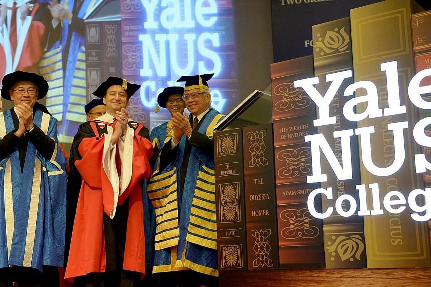 President Tony Tan Keng Yam (right), who is also the Chancellor for the National University of Singaore (NUS), at the inauguration of the Yale-NUS College at NUS University Cultural Centre on 27 Aug 2013. The fledgling Yale-NUS College will expa