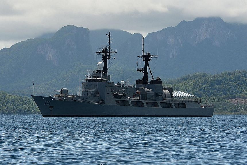 This photo taken on June 7, 2014, shows the Philippine Navy frigate BRP Ramon Alacraz anchored at the mouth of the South China Sea in Ulugan Bay off Puerto Princesa on Palawan island. Manila will send the BRP Ramon Alcaraz and the BRP Emilio Jacinto