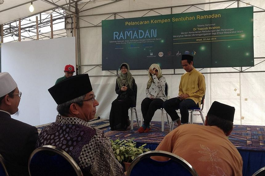 New activities for this year's Ramadanwere launched by Minister-in-charge of Muslim Affairs Yaacob Ibrahim on Sunday morning, at the Ahmad Ibrahim Mosque in Sembawang.-- ST PHOTO: AUDREY TAN