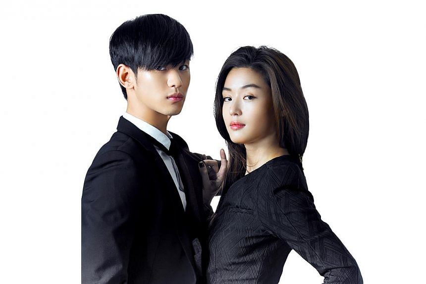 Top Korean actor Kim Soo Hyun (left), and actress JunJihyun, who act opposite each other in the drama My Love From Another Star. -- PHOTO: SBS ONE